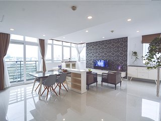Son & Henry - TE3 - Spacious 3BR Apartment, CBD, Rooftop Pool and Sky Bar