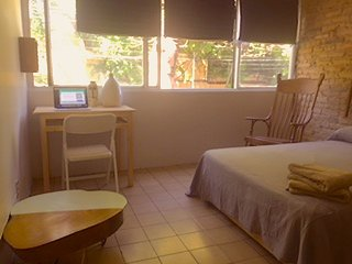 Private spacious double room Minerva/Chapultepec Av. zone. Lafayette