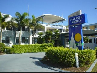 Mariner Shores Resort Beach Club
