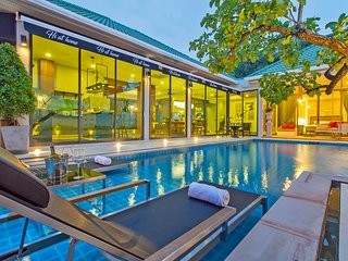 Hi At Home - 4BR Luxury Pool Villa in Pattaya