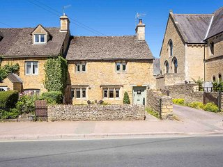 Chapel Cottage is a beautiful Grade II listed cottage in Bourton-on-the-Water