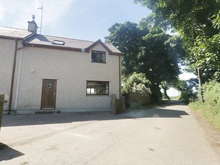 Bwythyn Neithior, open plan, breakfast bar, enclosed garden, pet friendly, Ref.