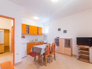 Holiday apartment rental Neda for 4 in Dalmatia