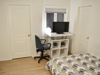 Cozy private bedroom with parking at York University. Walk to subway station