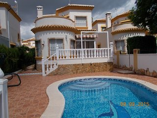 Villa Olivo, El Raso - Villa with Private Pool, WiFi & UK TV