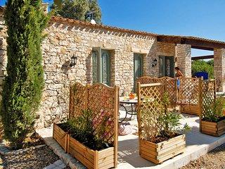 2 bedroom Apartment in Les Gervais, Provence-Alpes-Côte d'Azur, France : ref 564