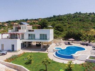 3 bedroom Villa in Razanj, Sibensko-Kninska Zupanija, Croatia - 5562671