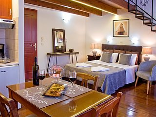 Casa del Mar Chania - Standard twin/double room with balcony