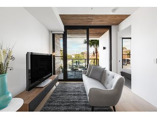 Luxurious, chic apartment in grand neighbourhood