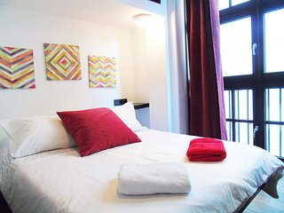 Malaga Holiday Apartment 10735