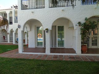 Nerja Holiday Apartment 10751
