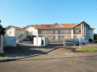 3 bedroom Apartment in Biscarrosse-Plage, Nouvelle-Aquitaine, France : ref 56423