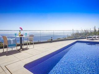 Eden Sun-A Modern Luxury Villa with Panoramic View