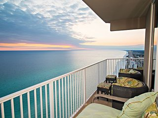 4Bed/ 3Bath~Walking distance to PIER PARK!~FREE Activities with every stay!