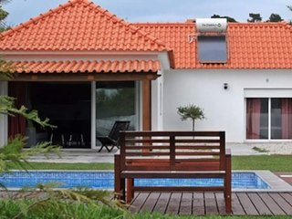 Countryside house with swimming pool near Obidos