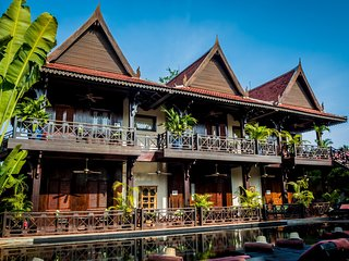 Authentic Khmer Colonial Resort - Free Breakfast and Airport Pick-up