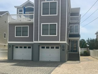 Ocean Block, 5 Bedrooms & 4 Full Baths, Sleeps 12