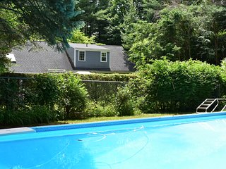Very private,4bdrm house,20x40inground pool, pool house. Paradise!