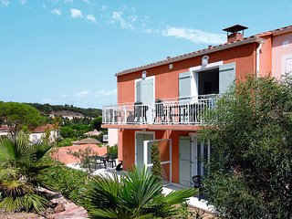 3 bedroom Apartment in Villepey, Provence-Alpes-Côte d'Azur, France : ref 564236