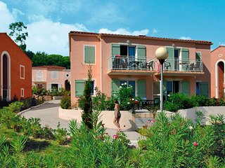 Villepey Apartment Sleeps 8 with Pool and WiFi - 5642362