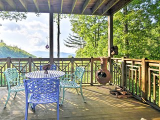 'Creekside Comfort' Burnsville Condo w/Deck, Views