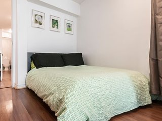 Lilac · Downtown cozy,big studio, 5 min berri uqam Station