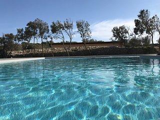 Villa LOUISE - villa classee 4* - climatisation - piscine chauffee.