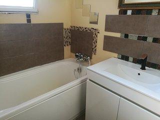 Magnifique 4pieces frejus 3chambres cuisine salle de bain neuve en centre ville