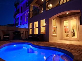 Family Matters Gorgeous 9 Bedroom Home Less Than 1 Block From Beach Private Pool
