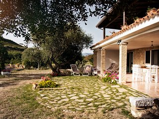 Il Melograno - Country House (nature and relax, sea view, excellent location)