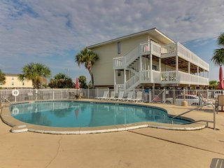NEW LISTING! Convenient oceanview retreat w/shared pool -near the beach & shops