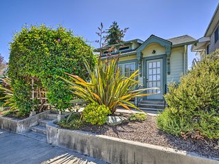 Cozy Santa Cruz Cottage - Walk to Beach & Pier!