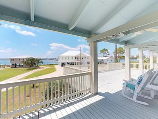 NEW LISTING! Dog-friendly home w/bay view & balcony- near Boggy Point Landing