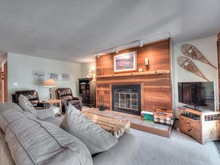 Timber Ridge Condo W/ Abundance of HOA Amenities