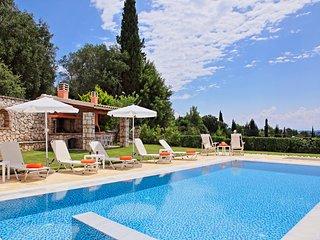 Villa Senses: A modern charming villa, private pool, stunning views, really