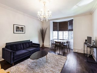 Elegant, Airy 2 Bedroom Flat in Paddington