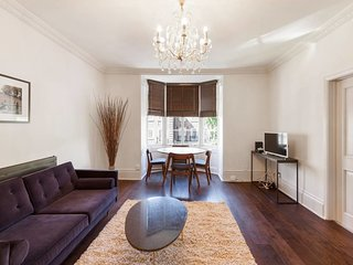 Elegant, Airy 2 Bedroom Flat in Paddington