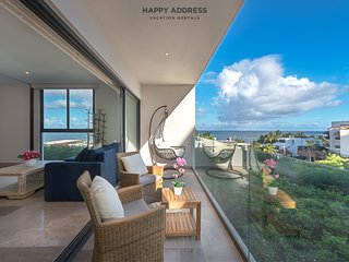 Elegant 1BR condo with ocean view by Happy Address.