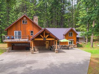 Moose Lodge near the Lake!  * Great Big Home Value * Private * Specials!