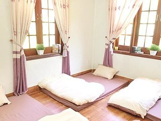 Dormitory Room Sleeps Of 6, holiday rental in Kon Tum Province