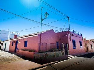 La Casa Rosa               .