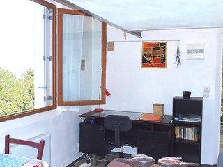 MONTPELLIER, studio dans un jardin mediterraneen