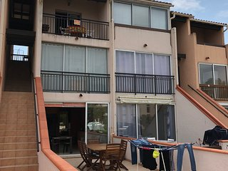 Nice apt near the beach & balcony