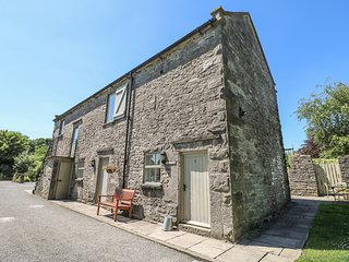 YEW TREE COTTAGE, part of the Chatsworth Estate, woodburner in Wetton Ref 955845