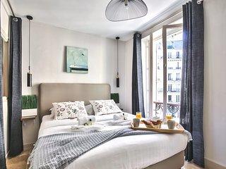 Stunning & Spacious family flat 'Bastille' (834)