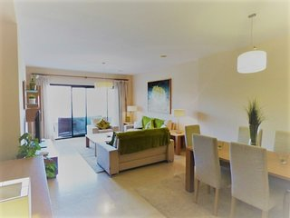 Capanes Luxury Holiday Rental - Spacious and very Sunny 3 bed apartment