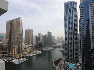 1-Bedroom Apartment with Balcony full Marina view