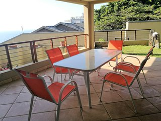 Beautiful apartment close to the beach.  Sleeps 6, just 5 mins away from Ballito