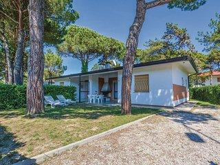 2 bedroom Villa in Lignano Riviera, Friuli Venezia Giulia, Italy : ref 5547884