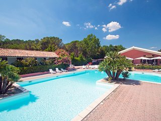 2 bedroom Villa in Marina di Bibbona, Tuscany, Italy : ref 5556423